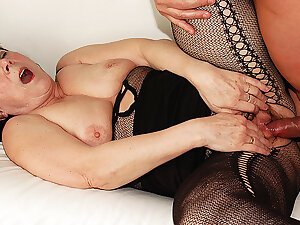 ugly 68 genre old mom has rough sex