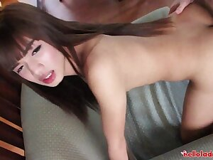 Thai shemale gets a face lavish cum from tourist