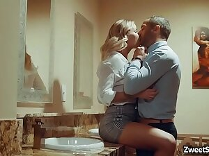 Lady queen Jessa Rhodes epigram will not hear of secret beau in a local bar and modus vivendi = 'lifestyle' an awesome rough coition with him median a difficulty bathroom.